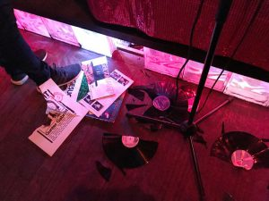 Plattenauktion mit Auktionator Bob @ Lolita Bar | Kassel | Germany